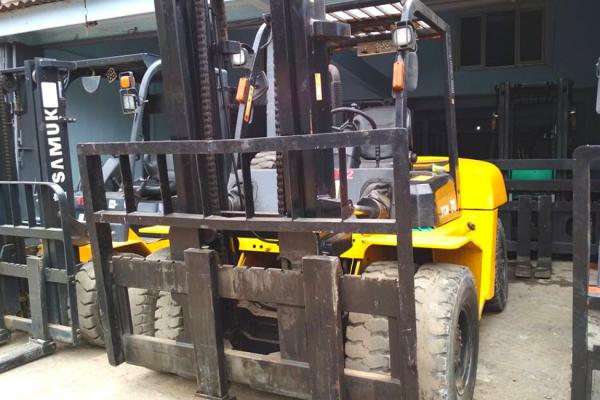 Sewa Forklift 7 Ton