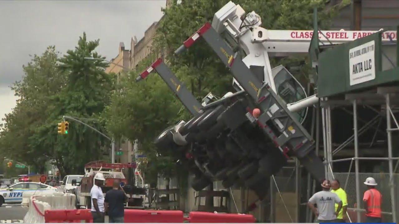 Crane collapses onto Astoria construction site